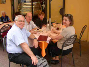 Dub Wright, Bob Doan, Mimi Wells Doan '64 and Sue Harris Wright '61 at lunch in Luca